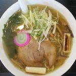ラーメン玄咲 - 丸鶏スープ麺のアップ