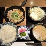 串揚げと日本酒 あぶらや - 豚のしょうが焼き定食@730円