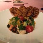 スカイラウンジ フェニックス - 料理写真:キャビアと旬のサラダ