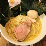 フスマにかけろ 中崎壱丁 中崎商店會1-6-18号ラーメン - 海苔は、ちぎってカスタマイズ♪   私は麺に巻きつけて、頂きます♫