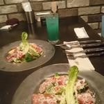 Firenze - 野菜と生ハムのサラダには、チーズをストップ!と言うまでかけてくれます♪