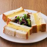 名物 厚焼き卵サンドイッチ (からし入り/からし抜き)
