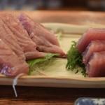 魚三酒場 - 鰹刺し