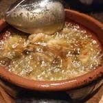 Grill&Wine LAPO  - 海老と燻製キノコのアヒージョ。