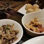 Grill&Wine LAPO  - すぐ出る冷菜、色々。