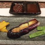 鉄板焼 七海 - 焼野菜&お肉のタレ2種