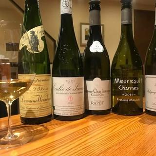 常時30種以上のグラスワイン