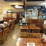 鳥ぎん - 鳥ぎん 日比谷店 働くおばちゃんたち含め昭和チックな雰囲気の店内