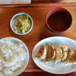 92216411 - 一口餃子定食(670円)です。