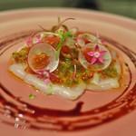 祇園 呂色 - きんきのマリネ。木いちごに赤ワインとはちみつのソース。ペンタスという花をトッピング。