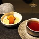 祇園 呂色 - 締めはフィナンシェと熟成のプーアル茶。