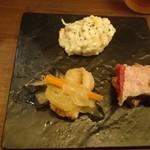 ロワゾー - 前菜3種 手前 鶏のエスカベッシュ(18-09)