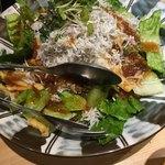 十米 越後の地酒×熟成豚 - シラスのサラダ