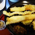 天ぷら まつお - 『まっちゃん定食』1,080円。 アナゴ1尾・エビ2尾・キス・イカ・野菜3品の構成です。