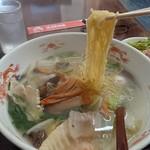 東洋軒 - 五目ラーメンはストレートの細麺