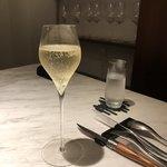 92225166 - ノンアルコールのシャンパン
