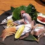 なにわの台所 いたち - 秋刀魚の造り