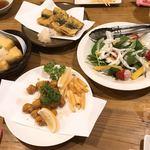 たきち - 揚げだし豆腐、イワシの天ぷら、軟骨唐揚げ、ポテトフライ、野菜サラダ