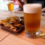 和牛炙り寿司×チーズ料理 肉バルミート吉田 - お通しはトルティーヤチップス