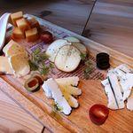 和牛炙り寿司×チーズ料理 肉バルミート吉田 - 厳選チーズ盛り合わせ