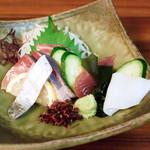郷土料理 五志喜 - お刺身盛り合わせ