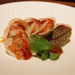 ブルーノート東京 - オマール海老と蕪のミルフィーユ 木苺のヴィネグレット
