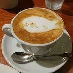 カフェ エスケープ - カフェラテです