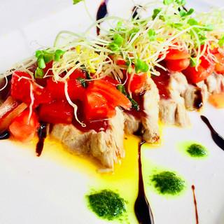 旬の食材をふんだんに取り入れ、素材の味を生かしたイタリアン。