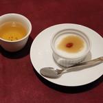 ジョーズ シャンハイ ニューヨーク - パンナコッタ仕立ての杏仁豆腐