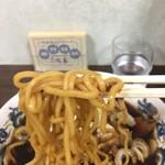 92256204 - 茶色い麺リフト