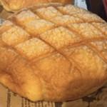 麦の実 - メロンパン 150円(税別)