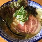 麺やまだ - 濃厚鶏そば(850円)