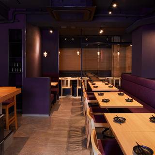 ゆったりとお食事を楽しめるこだわりの空間。