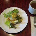 にんにく - 料理写真:セットのサラダとスープ