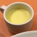イタリアンダイニングDONA - セットのスープ