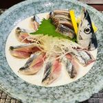 春山 - 秋刀魚刺し800円