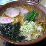 丸はし - 料理写真:ラーメン550円