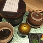 大阪うなぎ組 - ひつまむし御膳(ひつまぶし、肝吸、薬味あれこれ、出汁、香物) ・上(¥3800)