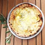 チーズたっぷりクワトロフォルマッジ