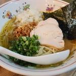 とん龍  - 鶏白湯ラーメン700円
