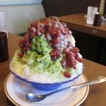 倉式珈琲店 - 料理写真:たっぷり茹であずきの抹茶金時