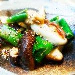 魚酒房 まんま亭 - 肉厚しいたけのバター炒め