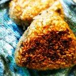 魚酒房 まんま亭 - 香ばしい焼きおにぎり