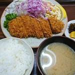 とんかつ高田 - 料理写真:ロースかつ定食 1000円