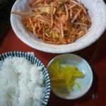大ちゃん - 豚キムチ定食 500円 鶏肉でした(笑)