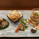 玄海鮨 - 秋刀魚棒ずし・米茄子の田楽・赤海老の炙り バジルソース・カワハギの煮こごり