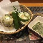 玄海鮨 - 鮎の大葉とクリームチーズの包み揚げ 抹茶塩で