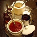 オイスターバー COVO - 卓上のオリジナル薬味類