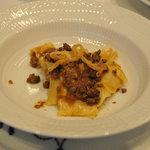 アロマフレスカ 博多 - 馬モモ肉のラグー自家製パッパルデッレ