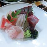 上の山亭 - 料理写真:お造り盛り合わせ(1,230円)